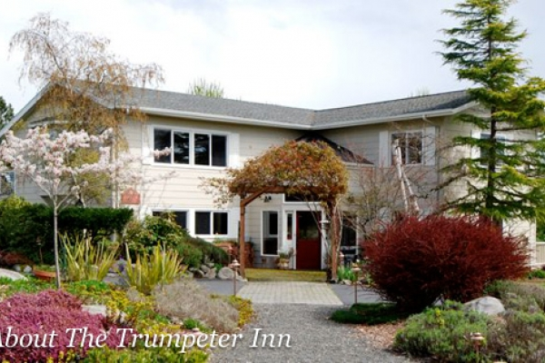Stay at the Trumpeter Inn in Friday Harbor